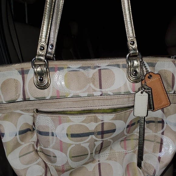 Coach Handbags - Coach tatersall tote